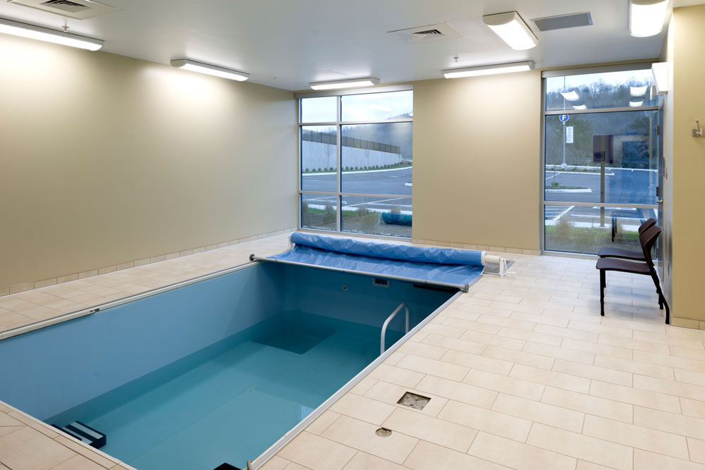 Roane Medical Center therapy pool